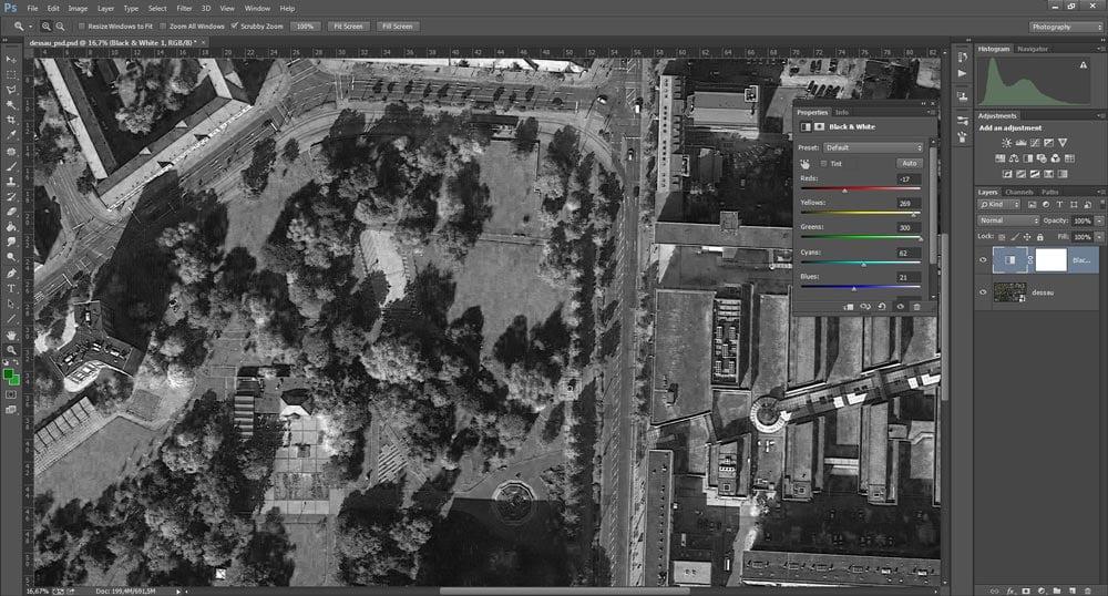Come applicare la regolazione Black and White per ottenere una fotografia aerea in filigrana.