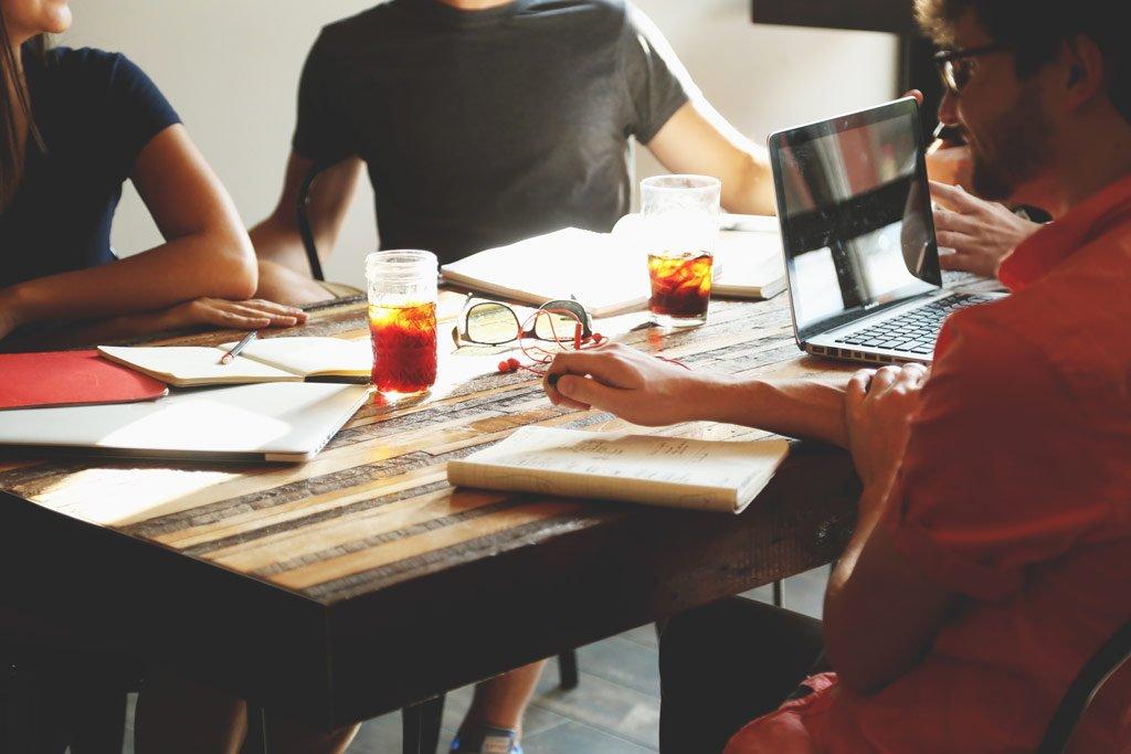 Confrontarsi è l'unico modo per ricevere un feedback oggettivo sul proprio lavoro.